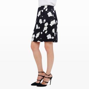 Club Monaco   100% Silk Black Floral Kapri Skirt